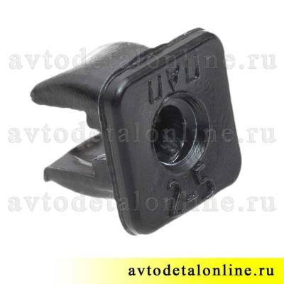 Пластиковый элемент крепления накладок на пороги 3160-2808020 пистон-втулка заднего номерного знака УАЗ Патриот