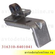 Кронштейн Патриот УАЗ для крепления надставки облицовки радиатора (реснички) левый 3163-10-8401041